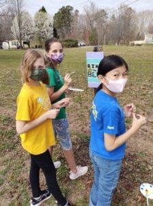 Junior Girl Scouts visit Bearfoot Ranch and Volunteer